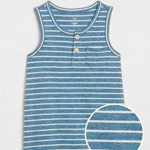 Baby Gap sleeveless romper size 6-12m 🐟
